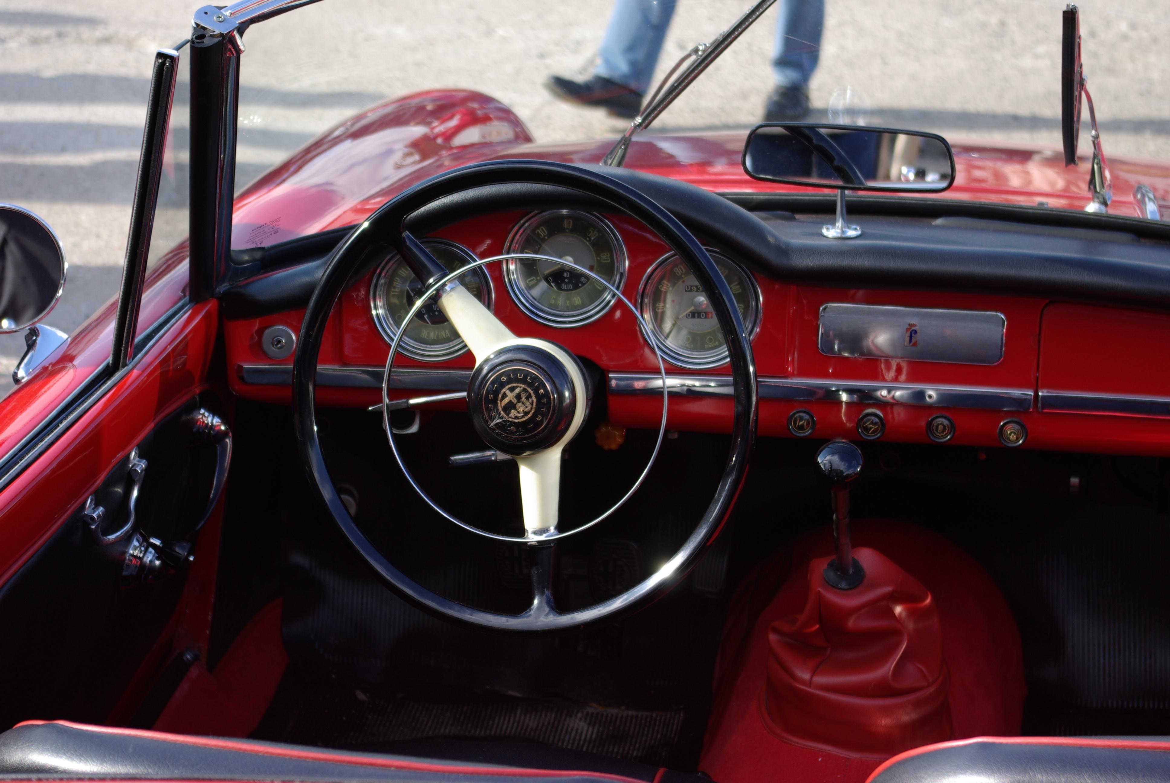 File Alfa Romeo Giulietta Spider Bw 3 Jpg Wikimedia Commons