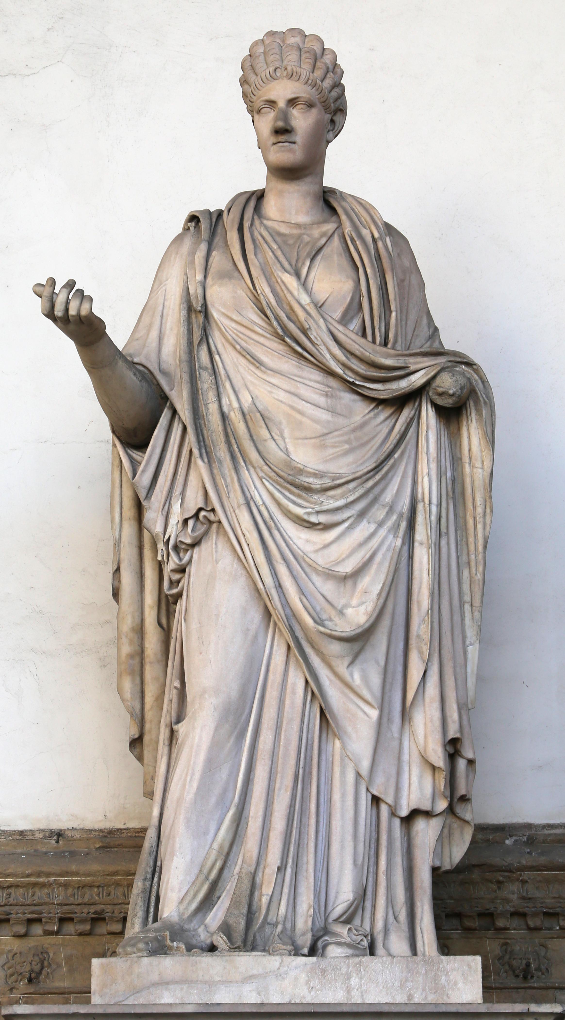 Arte romana, donna togata detta una 'sabina', 110 dc ca., con restauri moderni 03.jpg