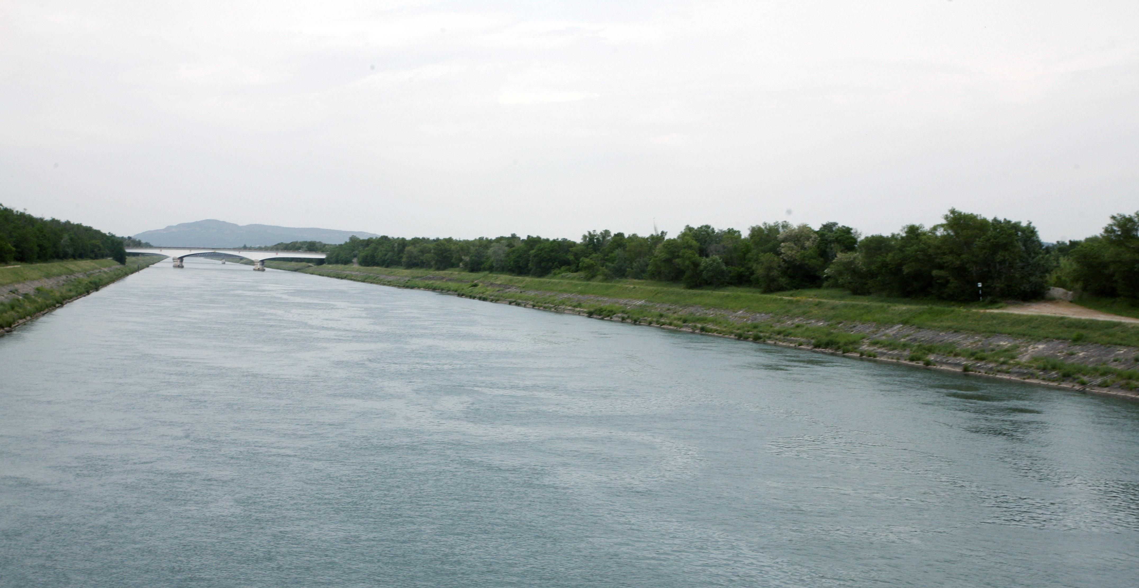 Canal De Donzere Mondragon Wikipedia