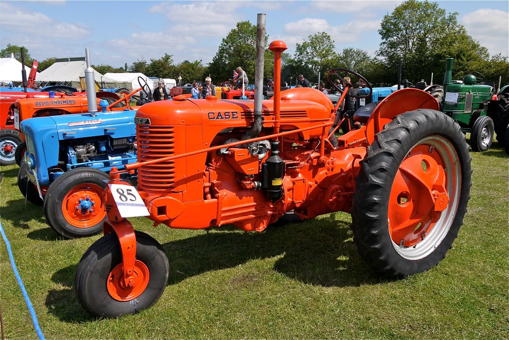 Old Case Tractor : Case tractors imgkid the image kid has it