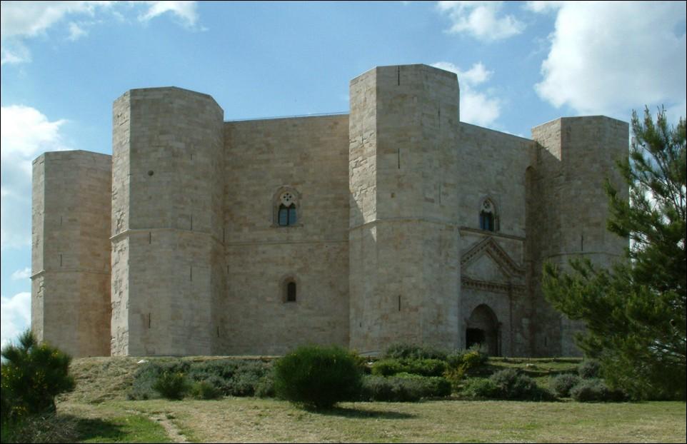 Castel del Monte ad Andria, simbolo della regione
