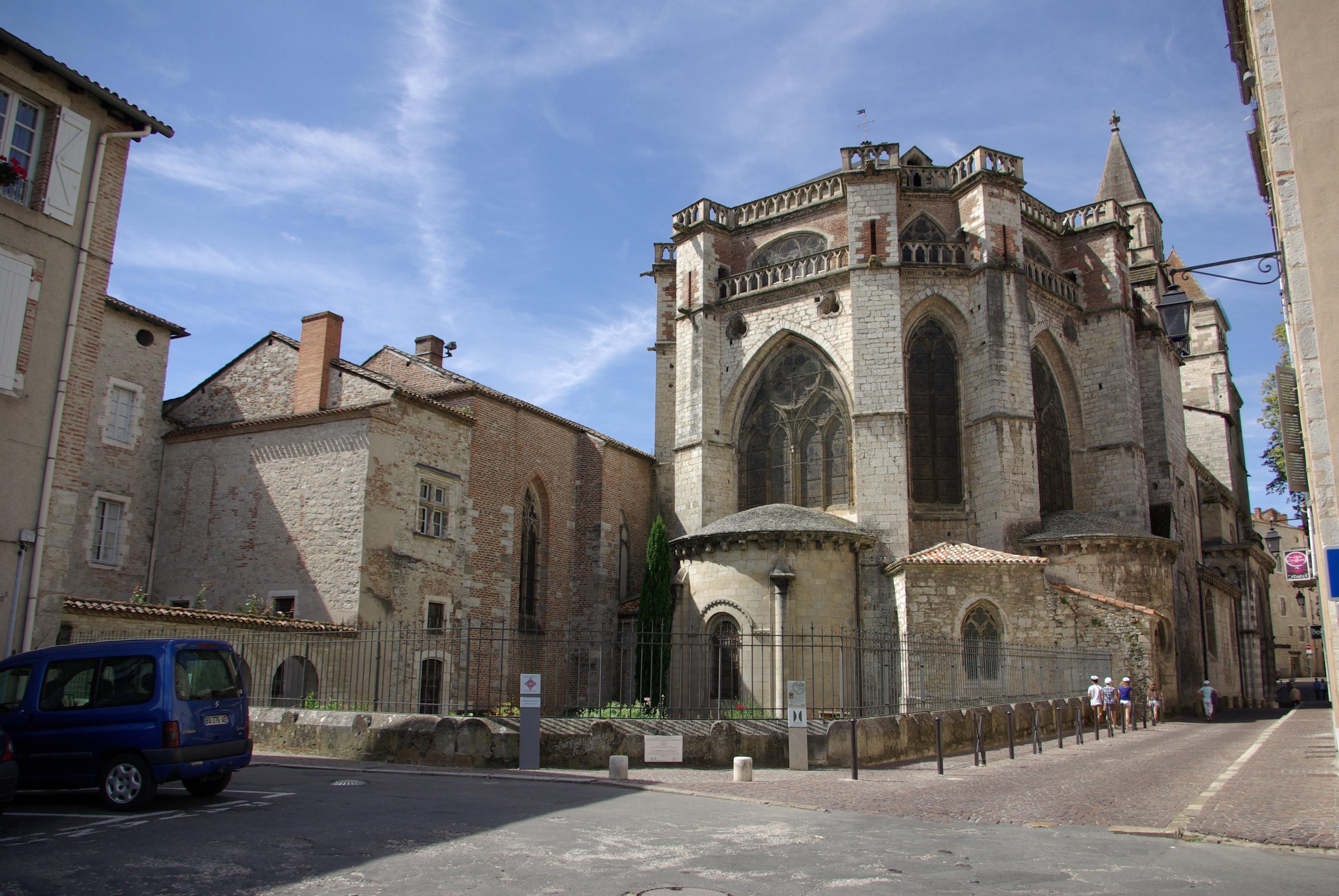 File cath drale saint tienne choeur ext cahors jpg wikimedia commons - Cathedrale saint etienne de cahors ...