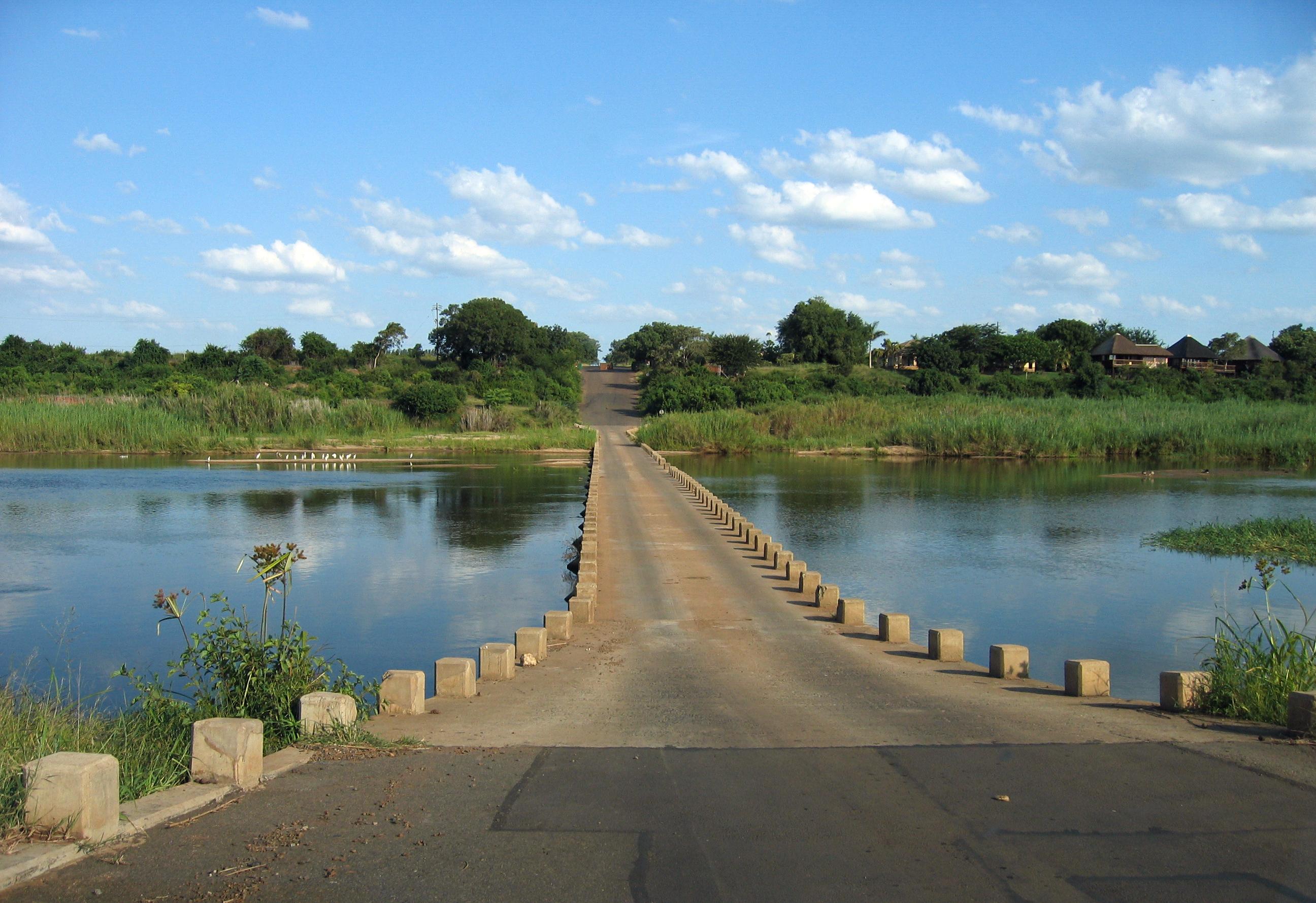 File:Crocodile Bridge (near the South gate Kruger National ...