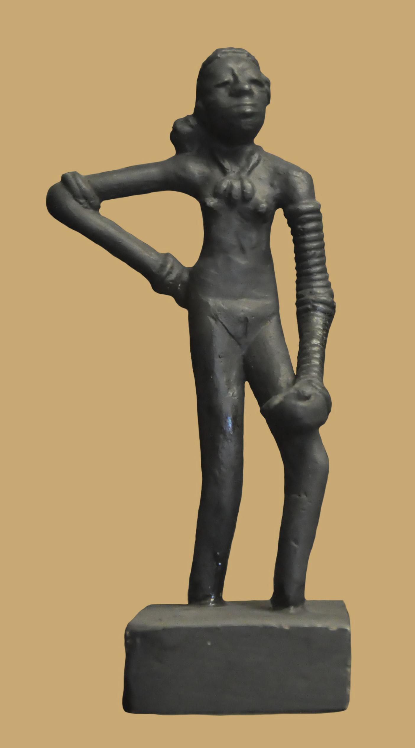 "The ""dancing girl of Mohenjo Daro"""