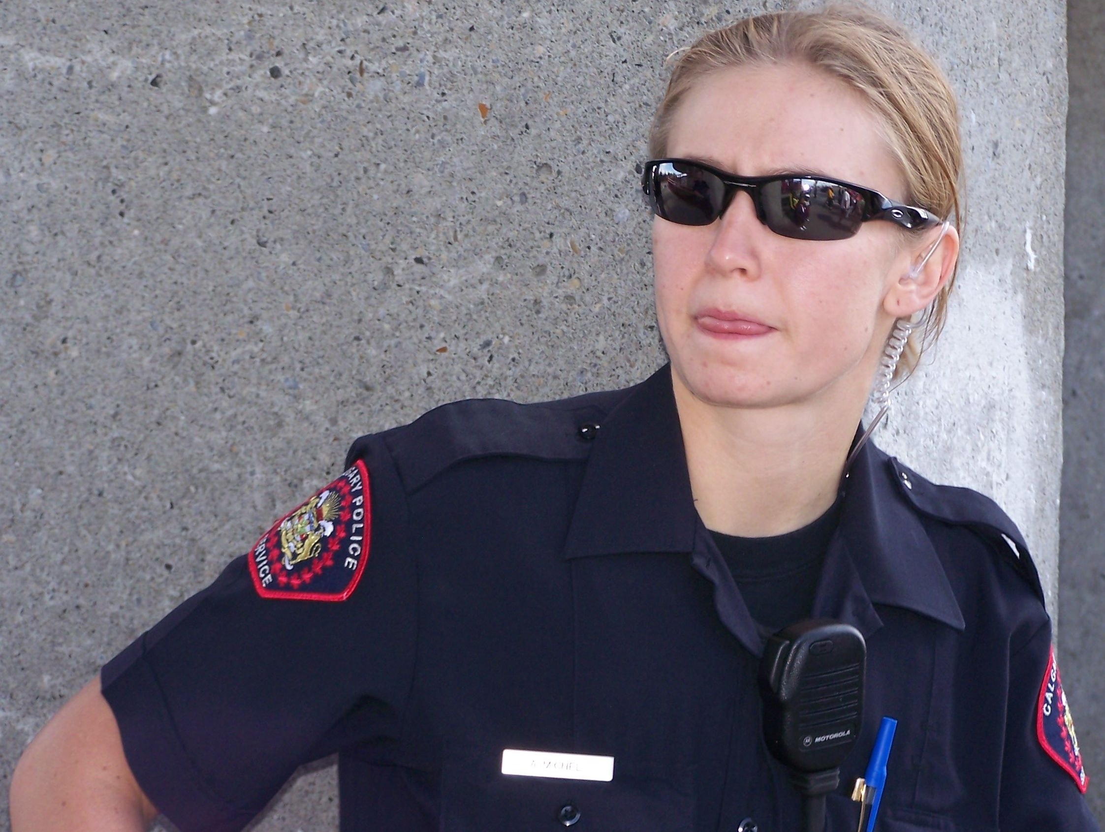 how to become a police officer in alberta canada