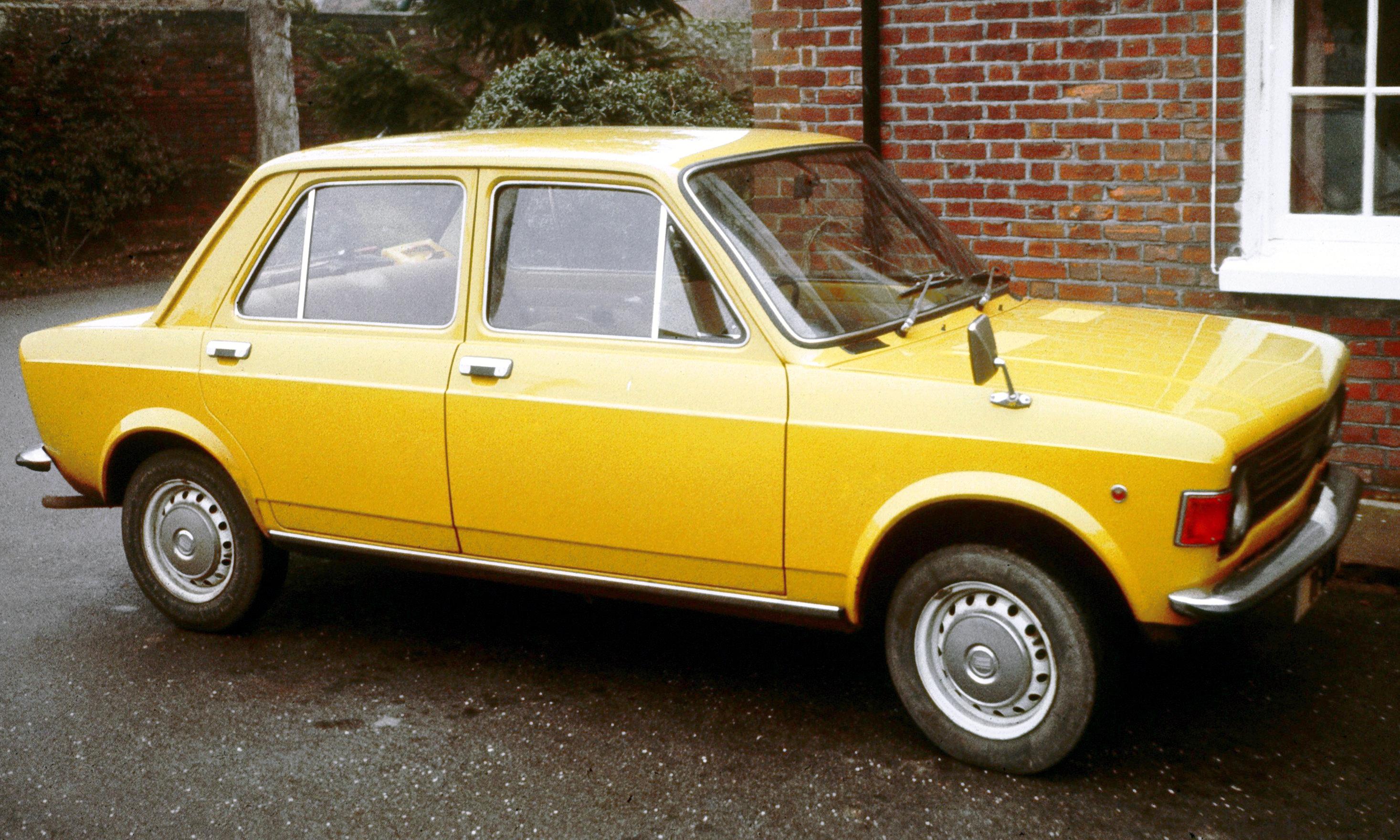 Description Fiat 128 Kent UK.JPG