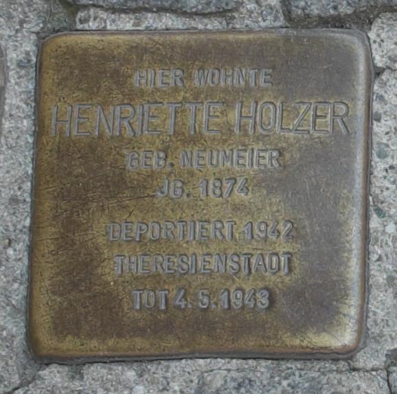 Freising Stolpersteine 366-003 Henriette Holzer.jpg