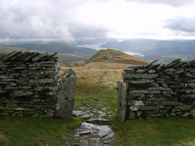 Gateway to High Pike - geograph.org.uk - 1009093