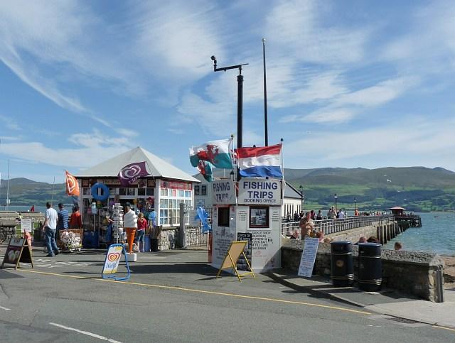 Kiosks at Beaumaris Pier - geograph.org.uk - 1456795