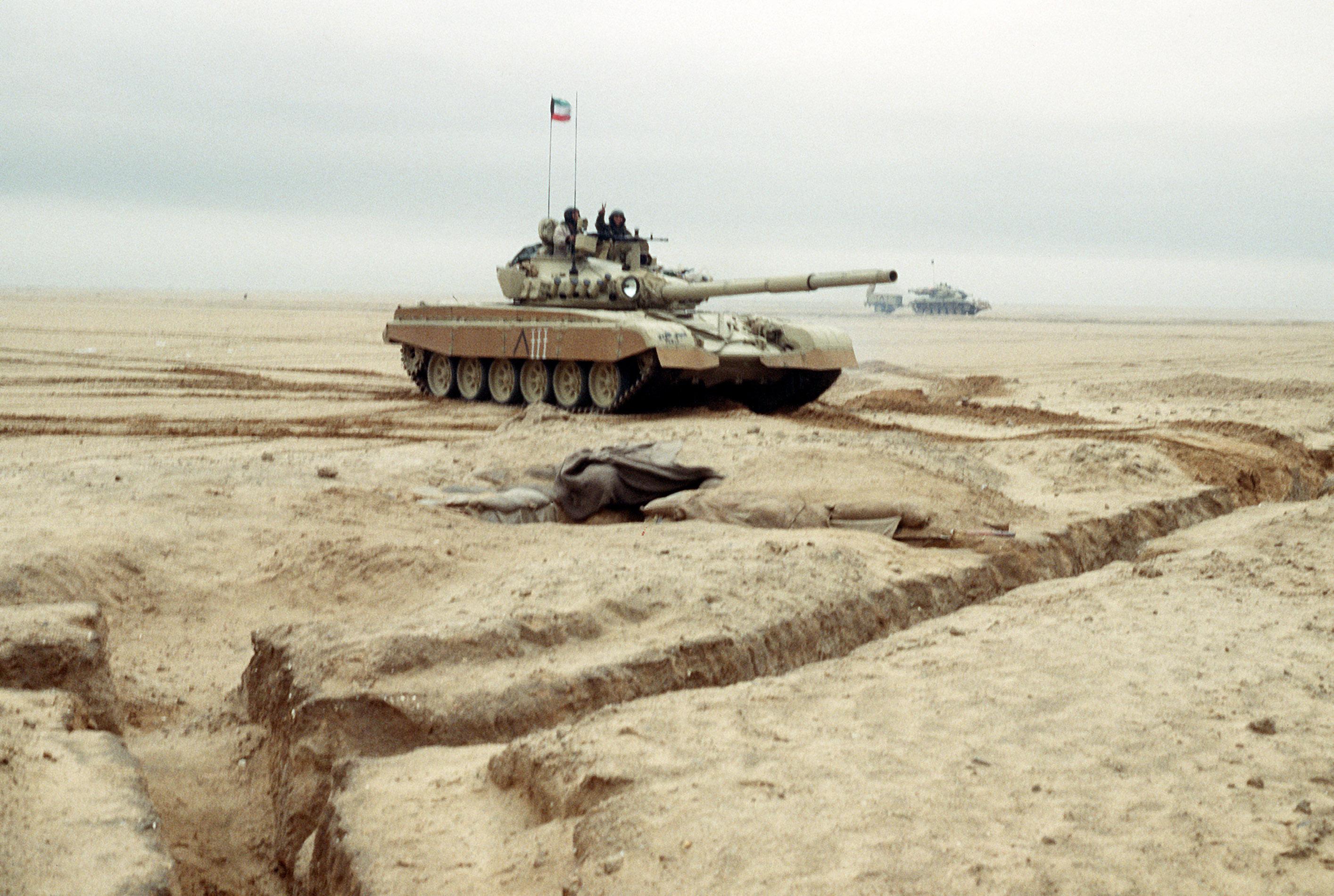 File:Kuwaiti M-84, Operation Desert Storm.jpg - Wikimedia ...