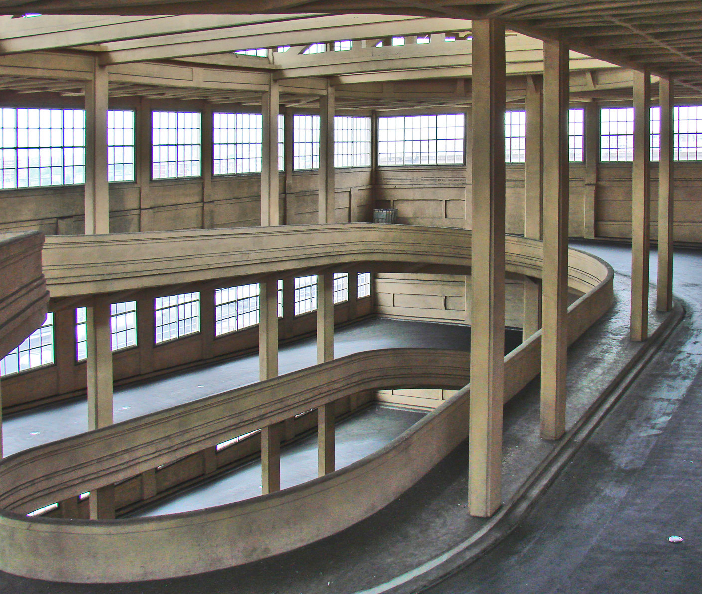file la rampe sud du lingotto turin 2860292321 jpg wikimedia commons. Black Bedroom Furniture Sets. Home Design Ideas