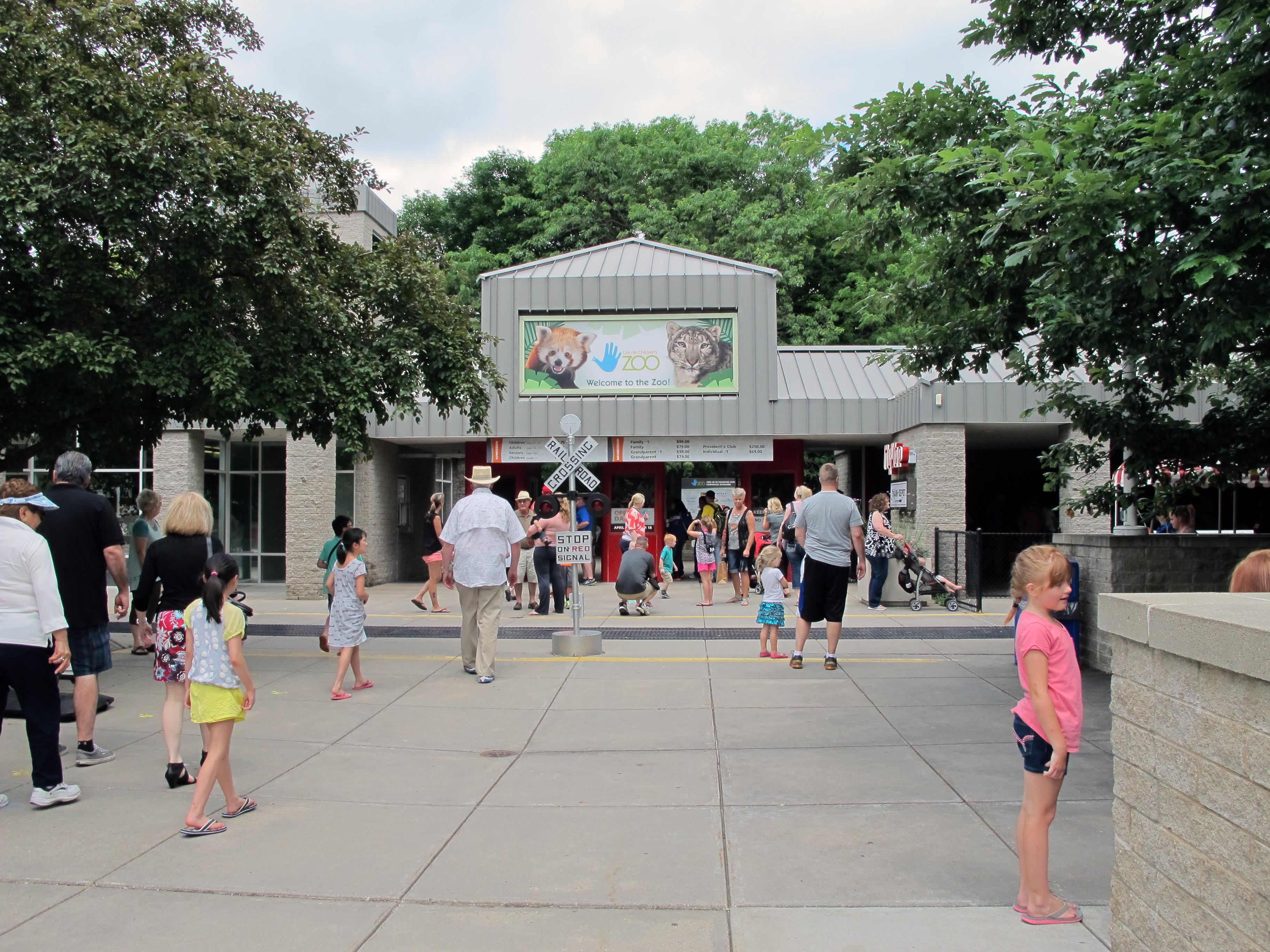 File Lincoln Children S Zoo Entrance Lincoln Nebraska