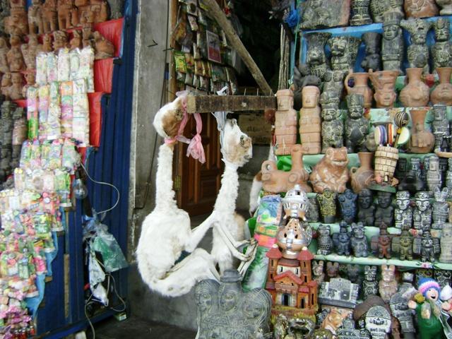Mercado de Hechiceria 003, La Paz, Bolivia.JPG