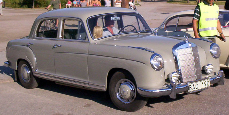 File mercedes benz 220s 4d 1957 wikimedia commons for Mercedes benz 220s for sale