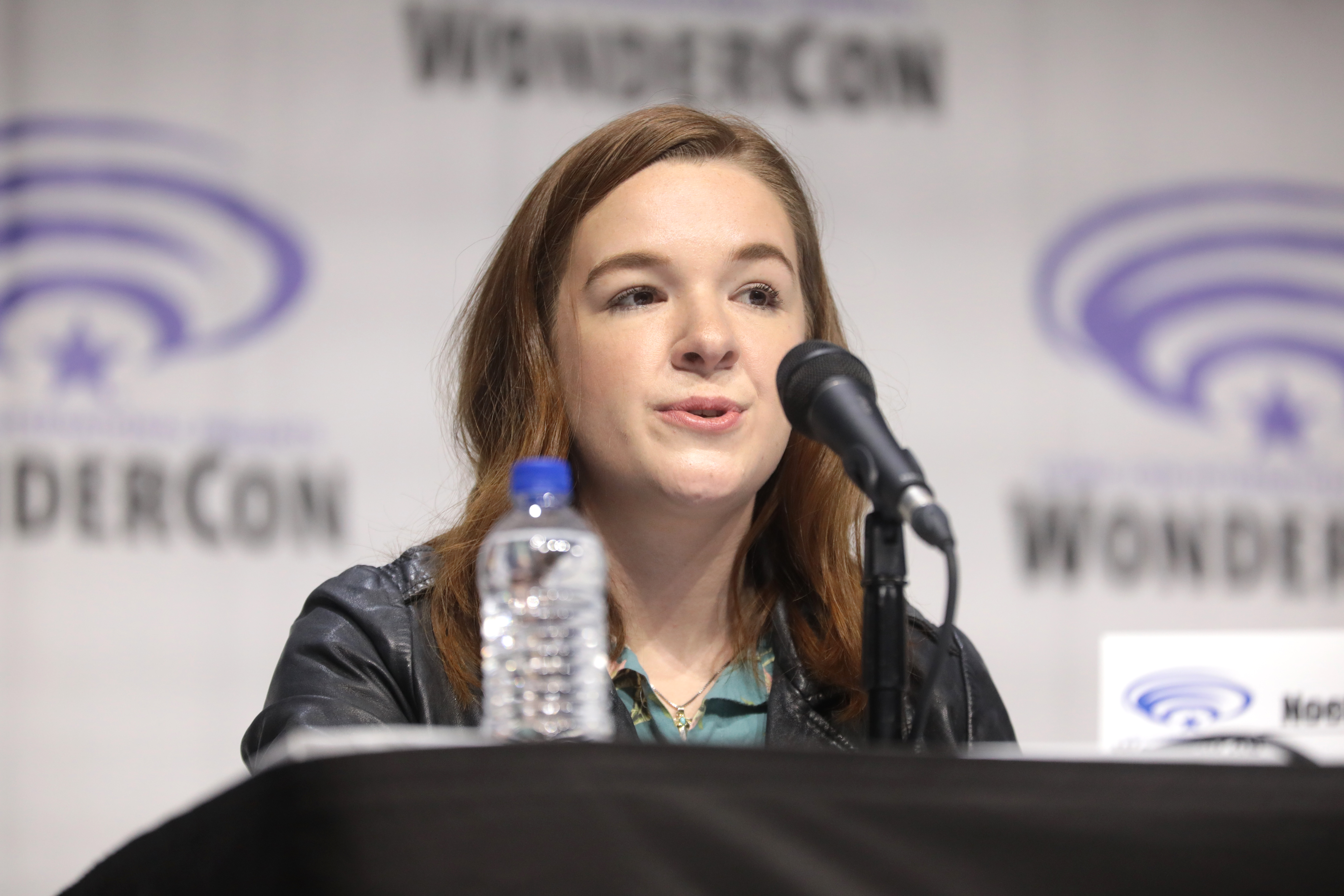 Stevenson at the 2019 [[WonderCon]] for ''[[She-Ra and the Princesses of Power]]''.