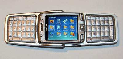 Nokia_e70_auki.jpg