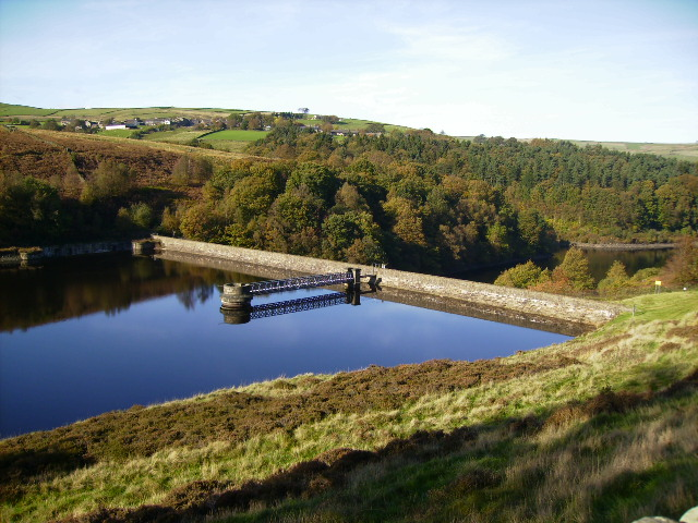 Northern end of Ramsden Reservoir - geograph.org.uk - 269572