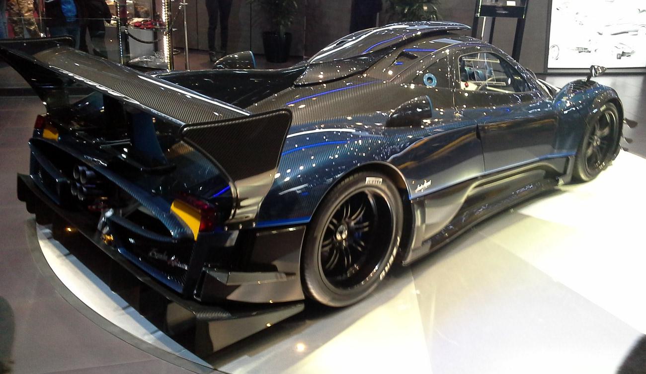 File:Pagani Zonda Revolucion 02    Geneva Motor Show    2014 03