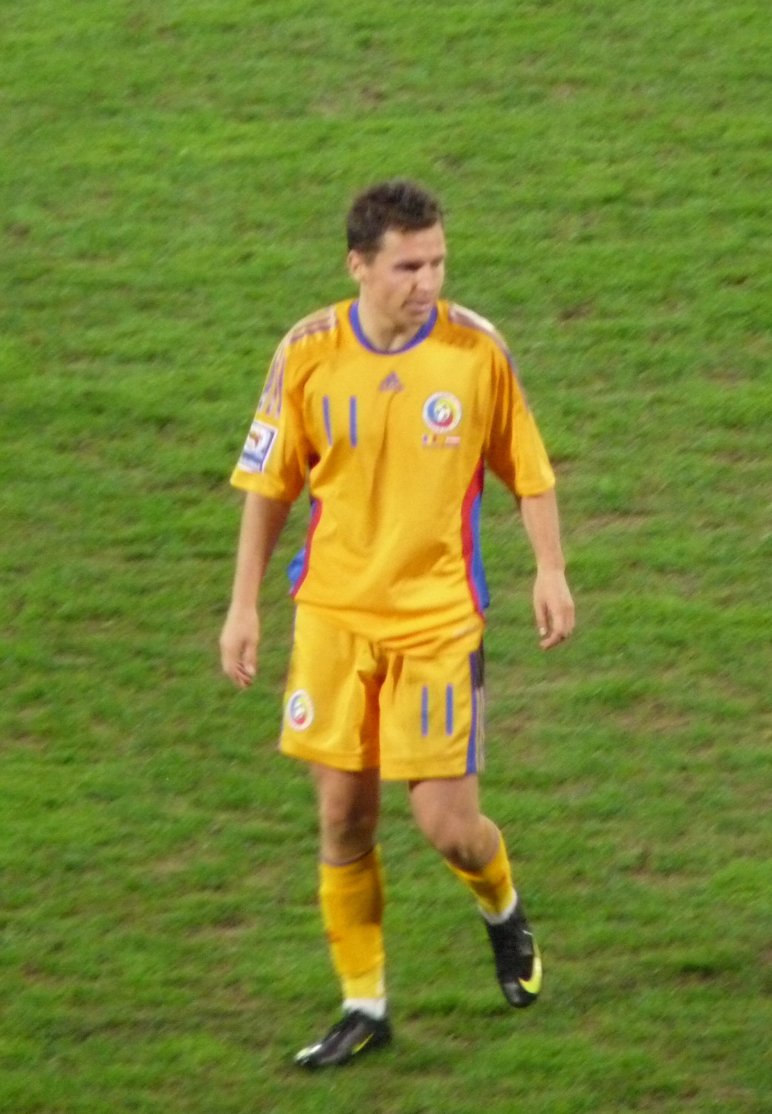 Bucur playing for [[Romania national football team|Romania]] in September 2009