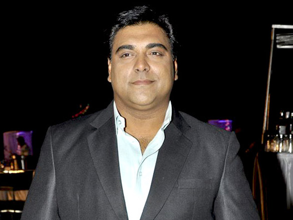 The 45-year old son of father (?) and mother(?) Ram Kapoor in 2018 photo. Ram Kapoor earned a  million dollar salary - leaving the net worth at 2 million in 2018