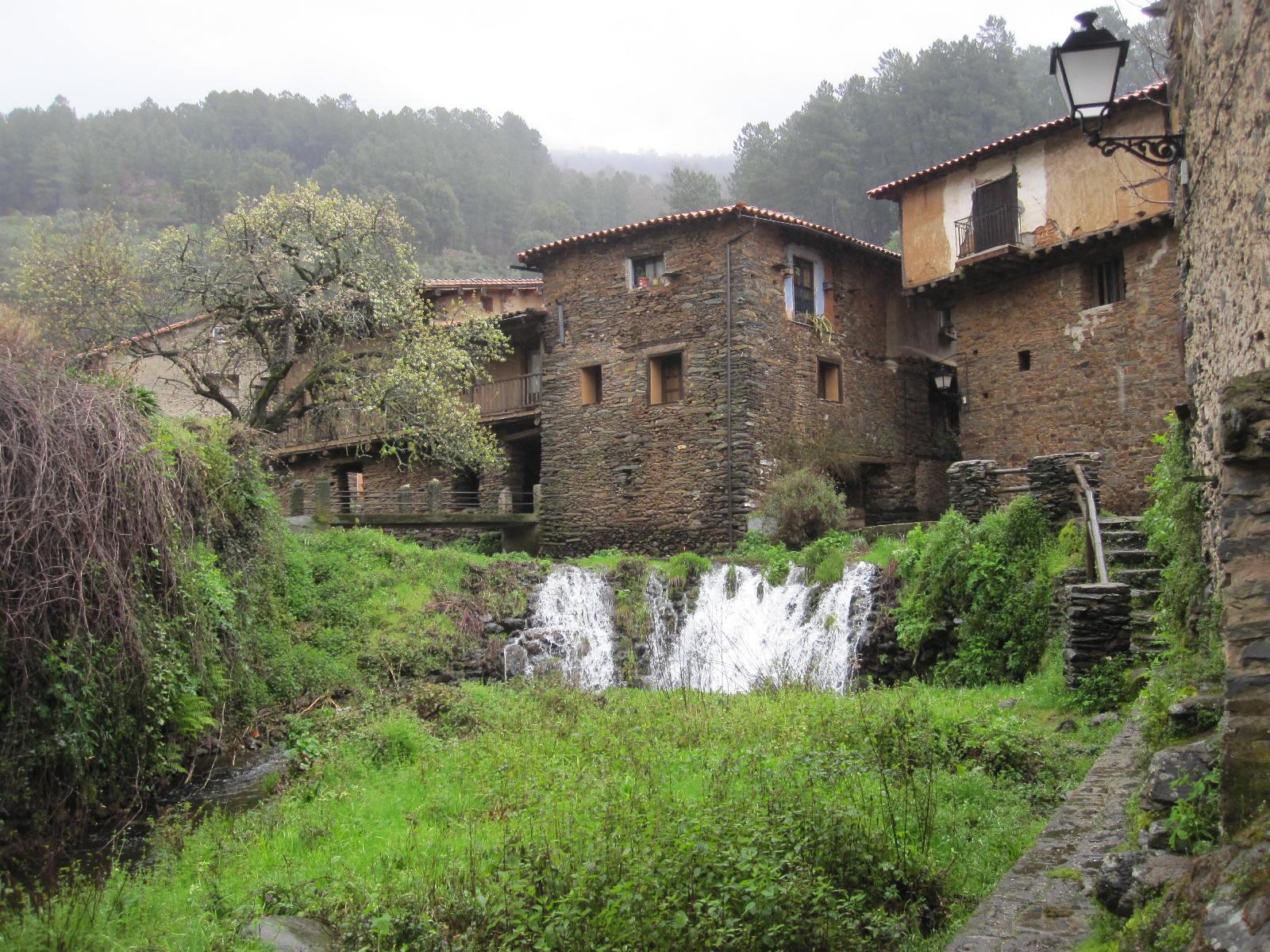 Pueblo Robledillo de Gata