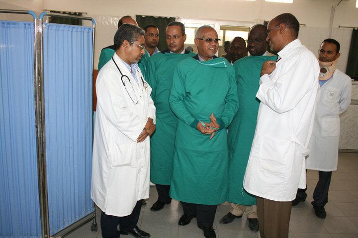زيارة الرئيس المؤسس لحزب التجمع من أجل موريتانيا تمام وزير الصحة السابق لمستشفى القلب