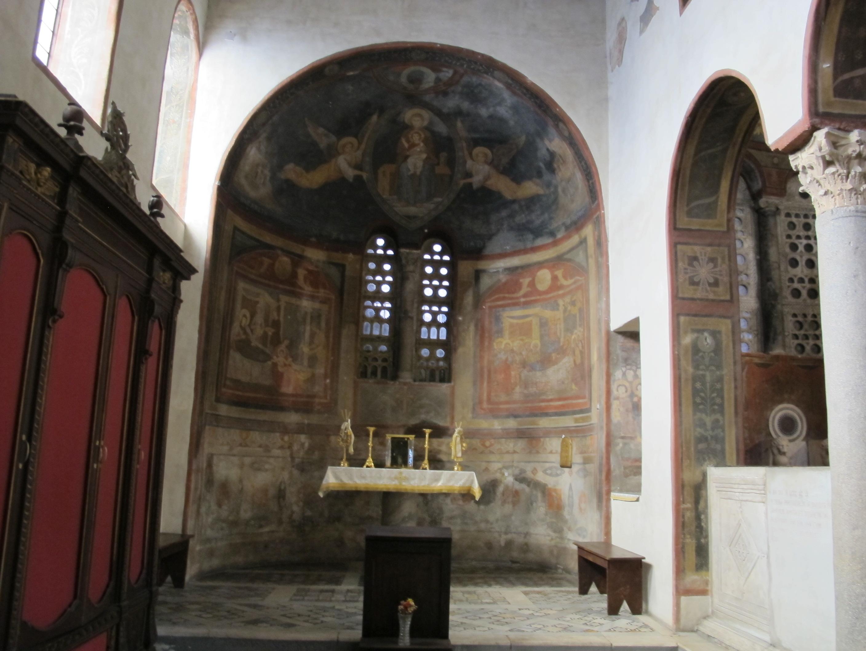 File Santa Maria In Cosmedin Interno 09 Jpg Wikimedia