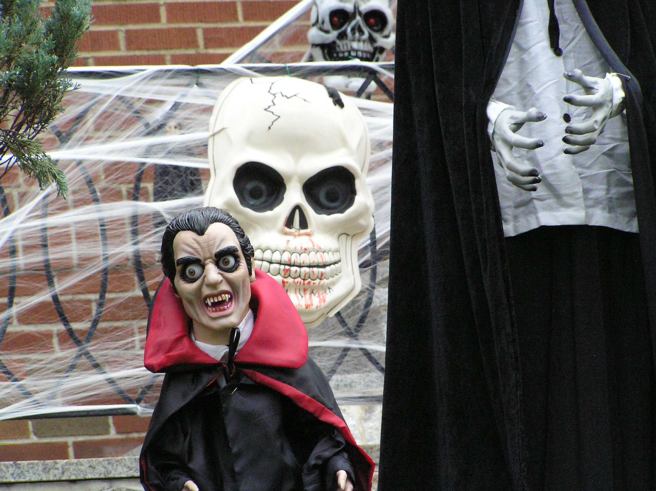 file:scary halloween figures 2012 - wikimedia commons