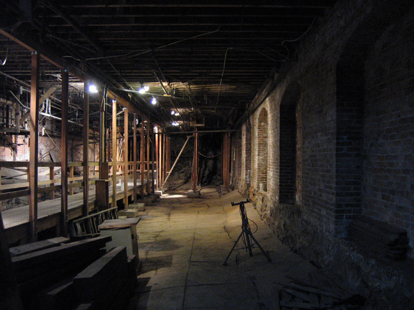 File:Seattle Underground Tour 04.jpg - Wikimedia Commons