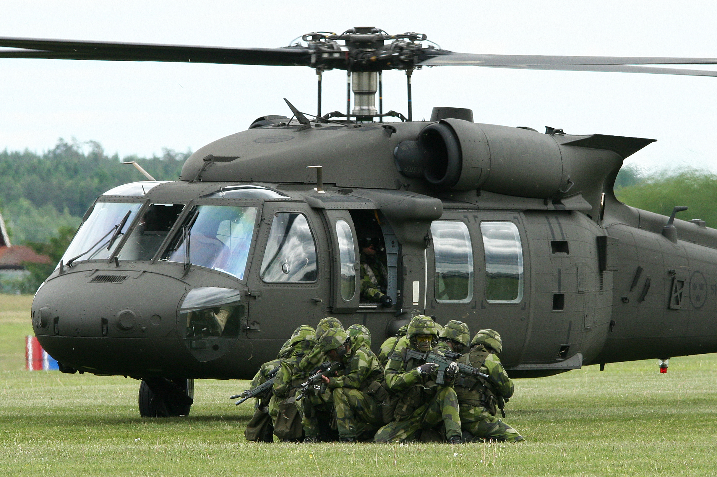 how to make a paper black hawk helicopter