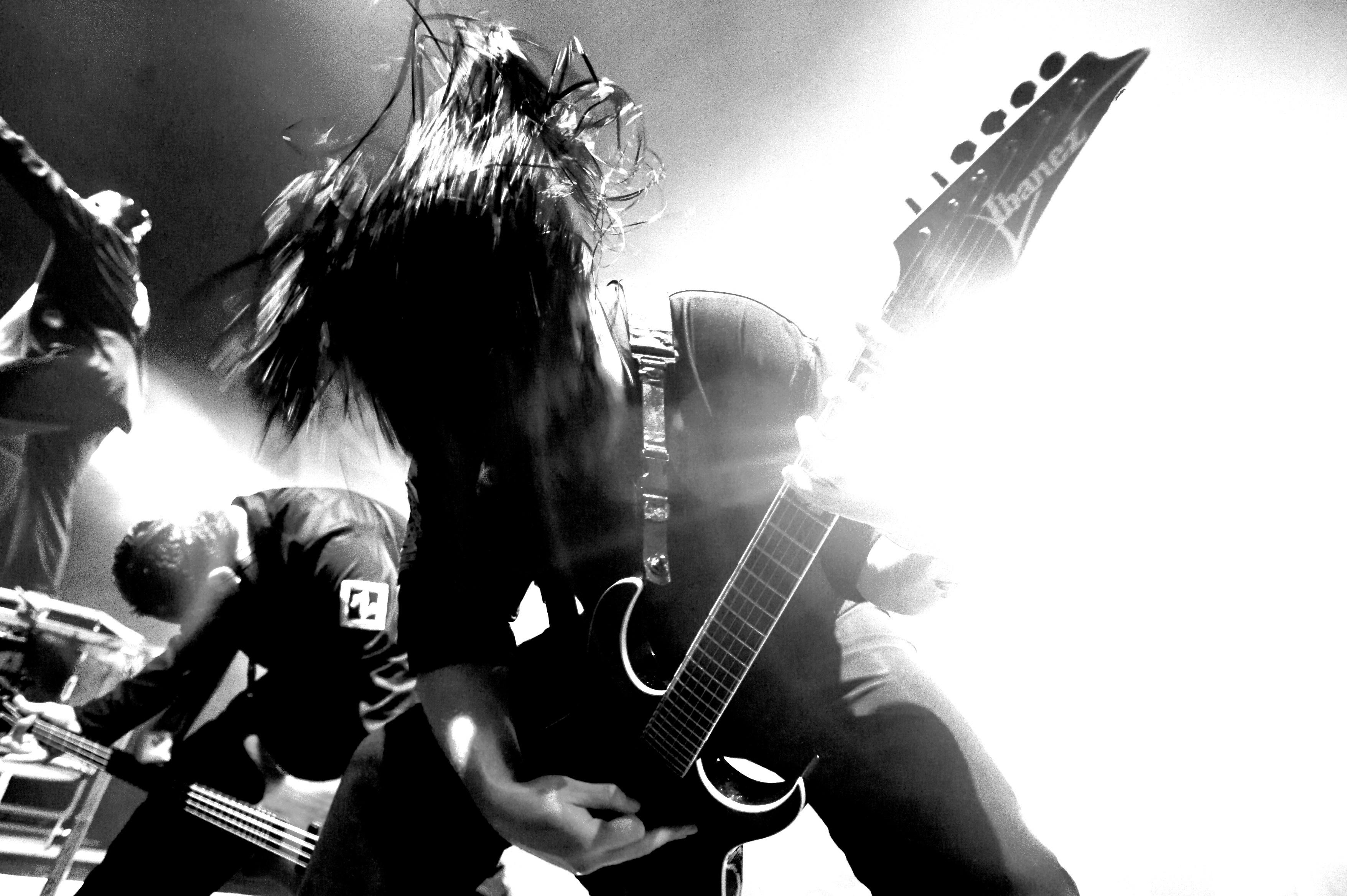 モノクロのスリップノットギター