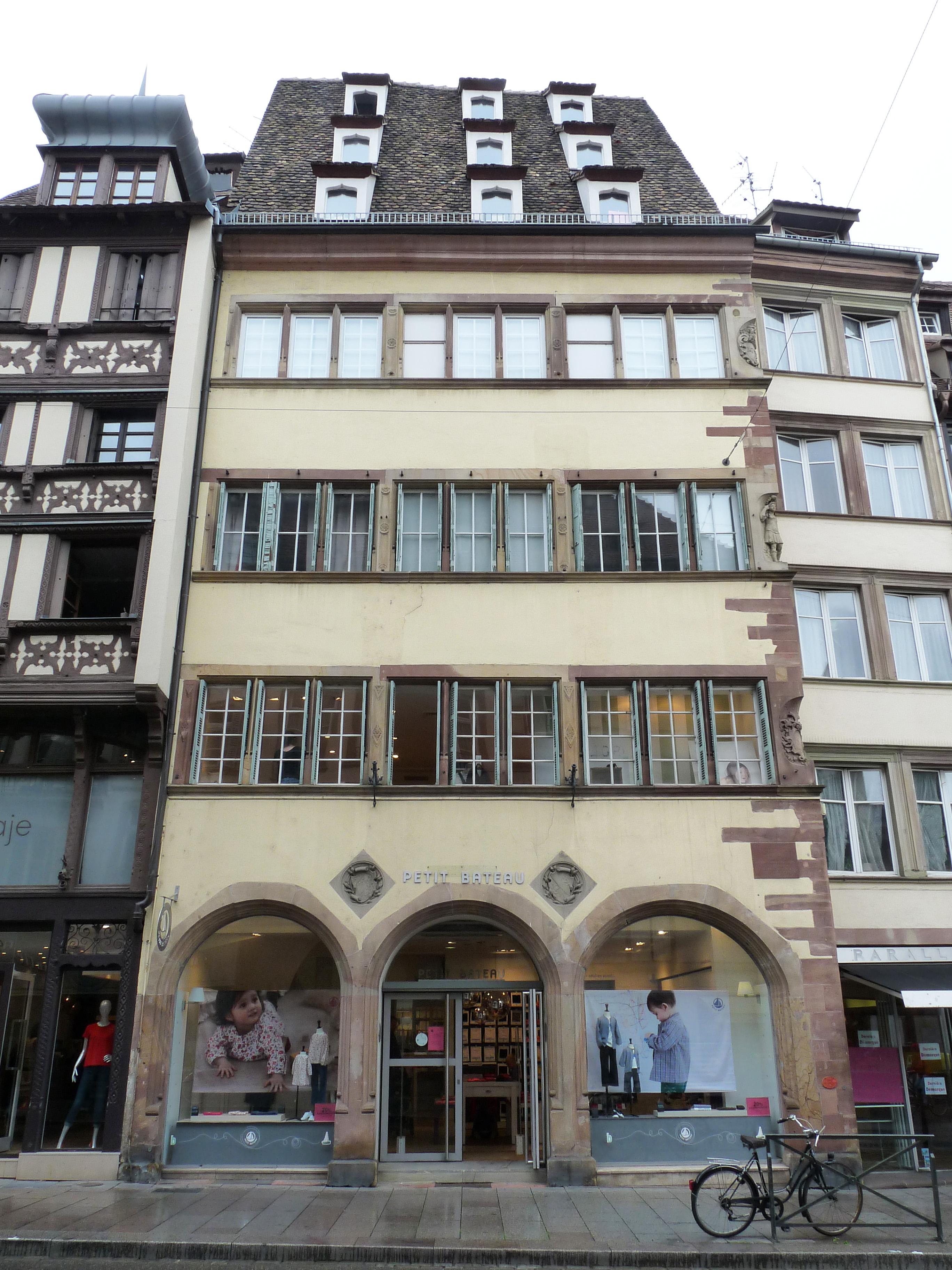 Maison au 40 rue du vieux march aux poissons strasbourg for Rue du miroir strasbourg