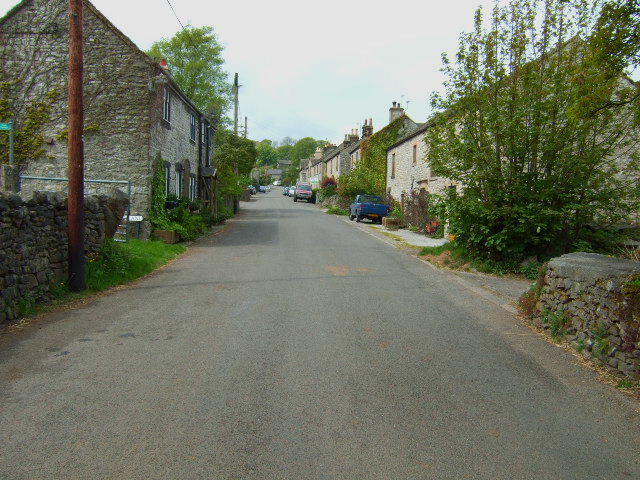 Taddington Village - geograph.org.uk - 435794