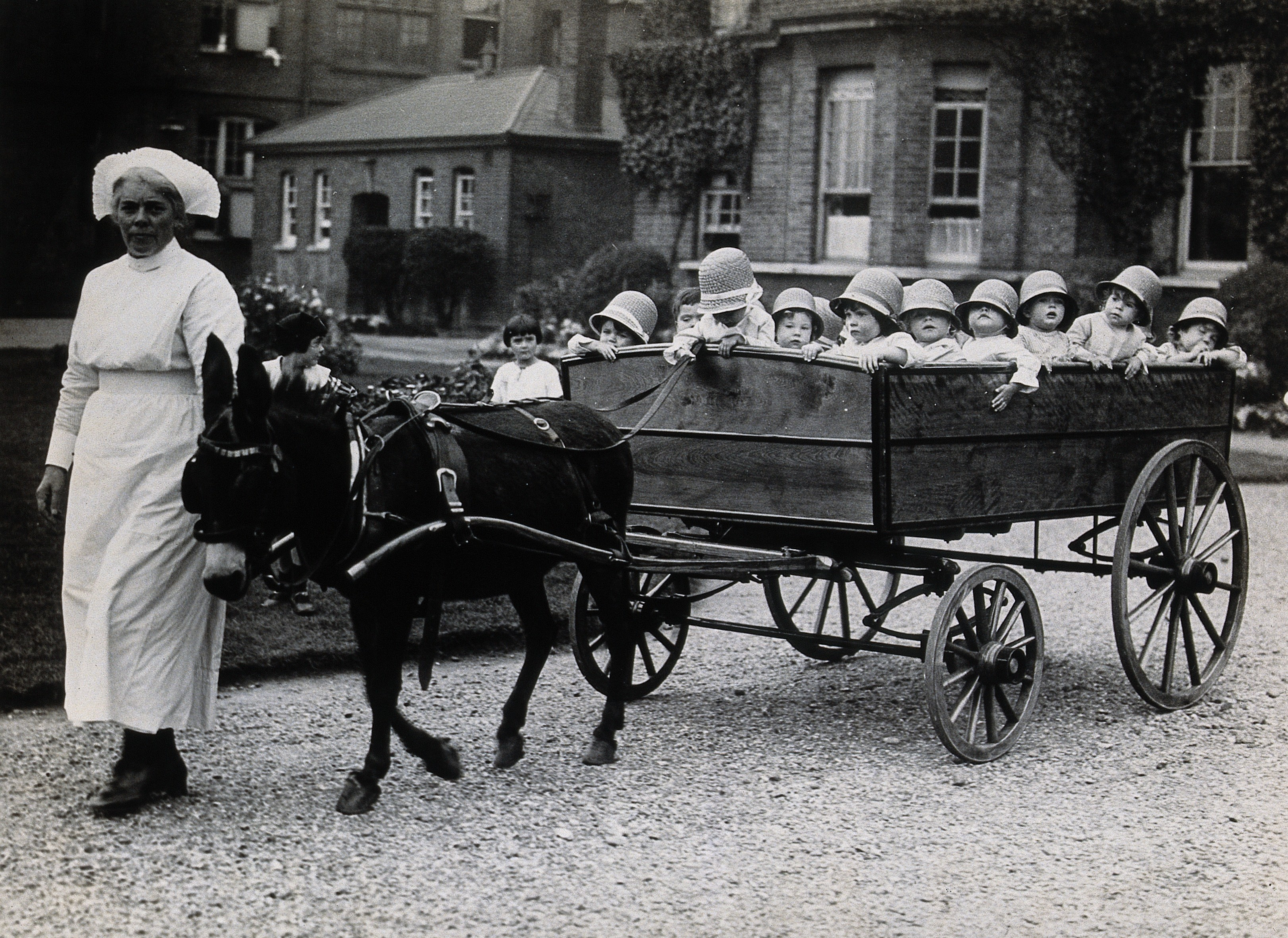 File:The 18-seater pram, Park Royal Hospital, London, 1925 Wellcome