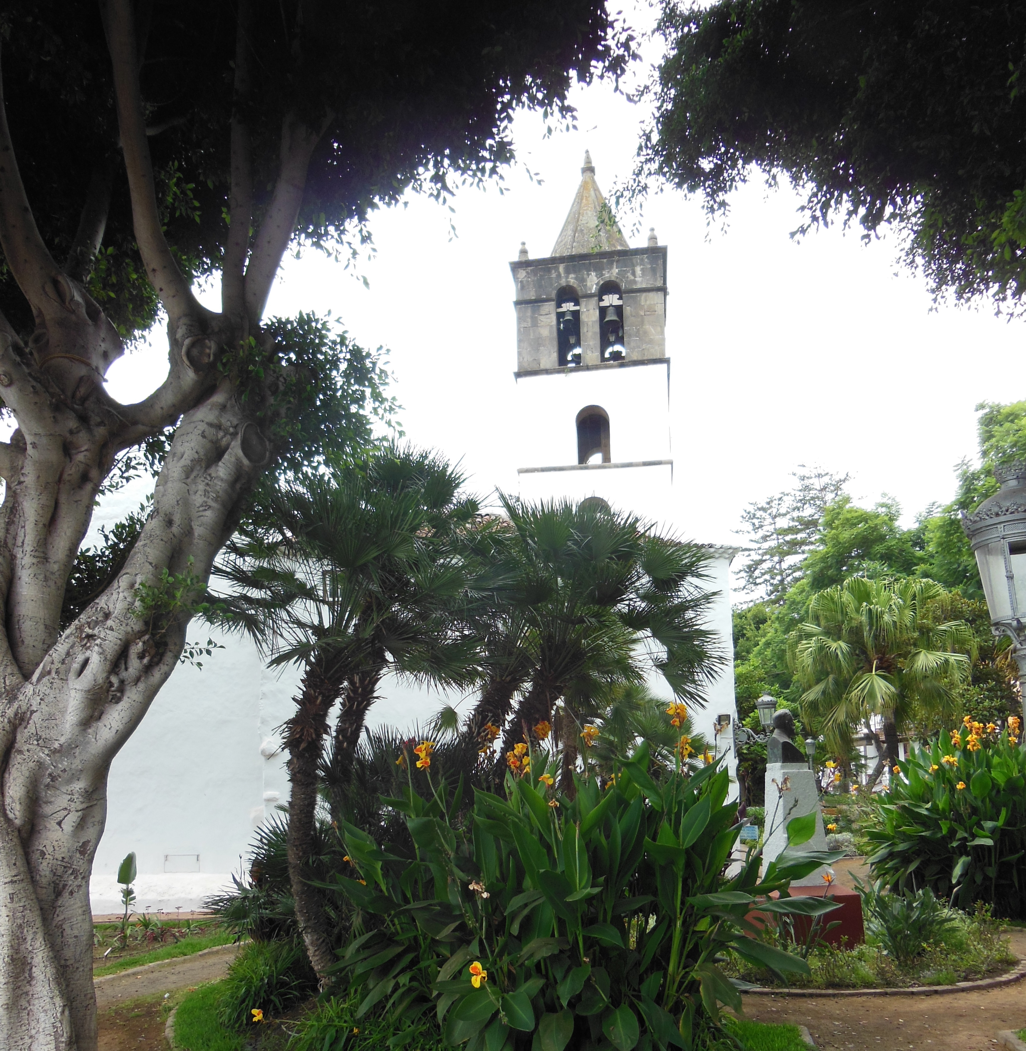 File:The Church of San Marcos on the Plaza de Lorenzo Cáceres, Icod ...