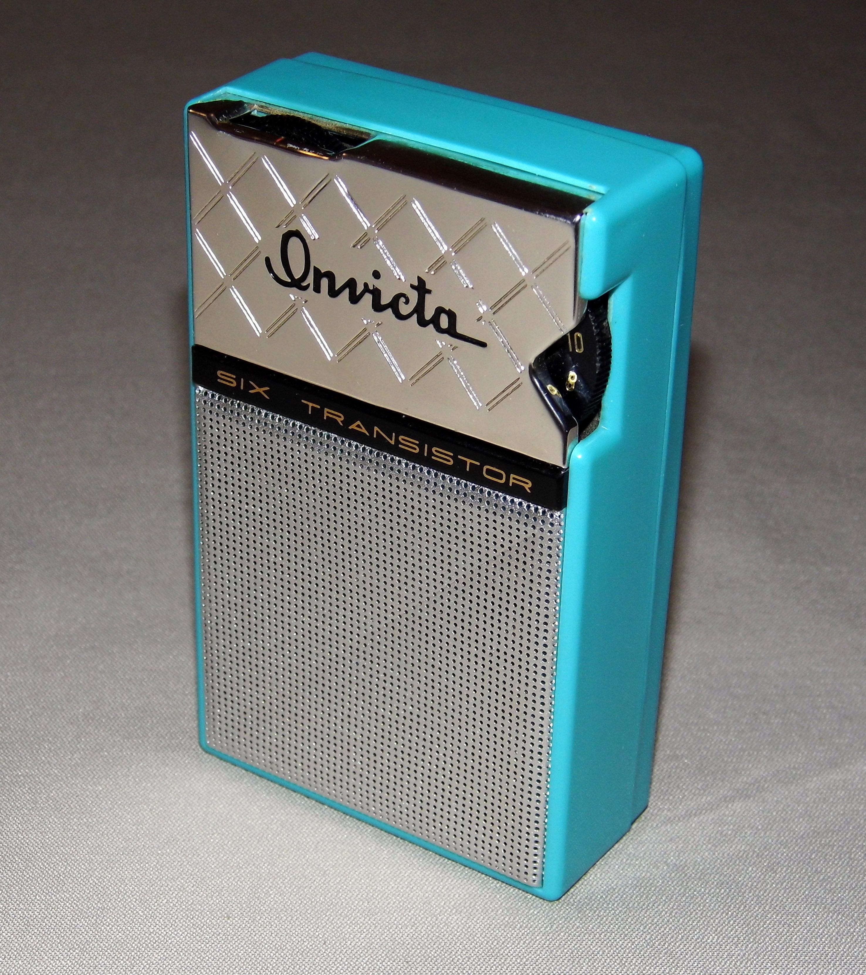 5a7896550b File Transistor Radio Collection- Vintage Invicta 6-Transistor AM Radio