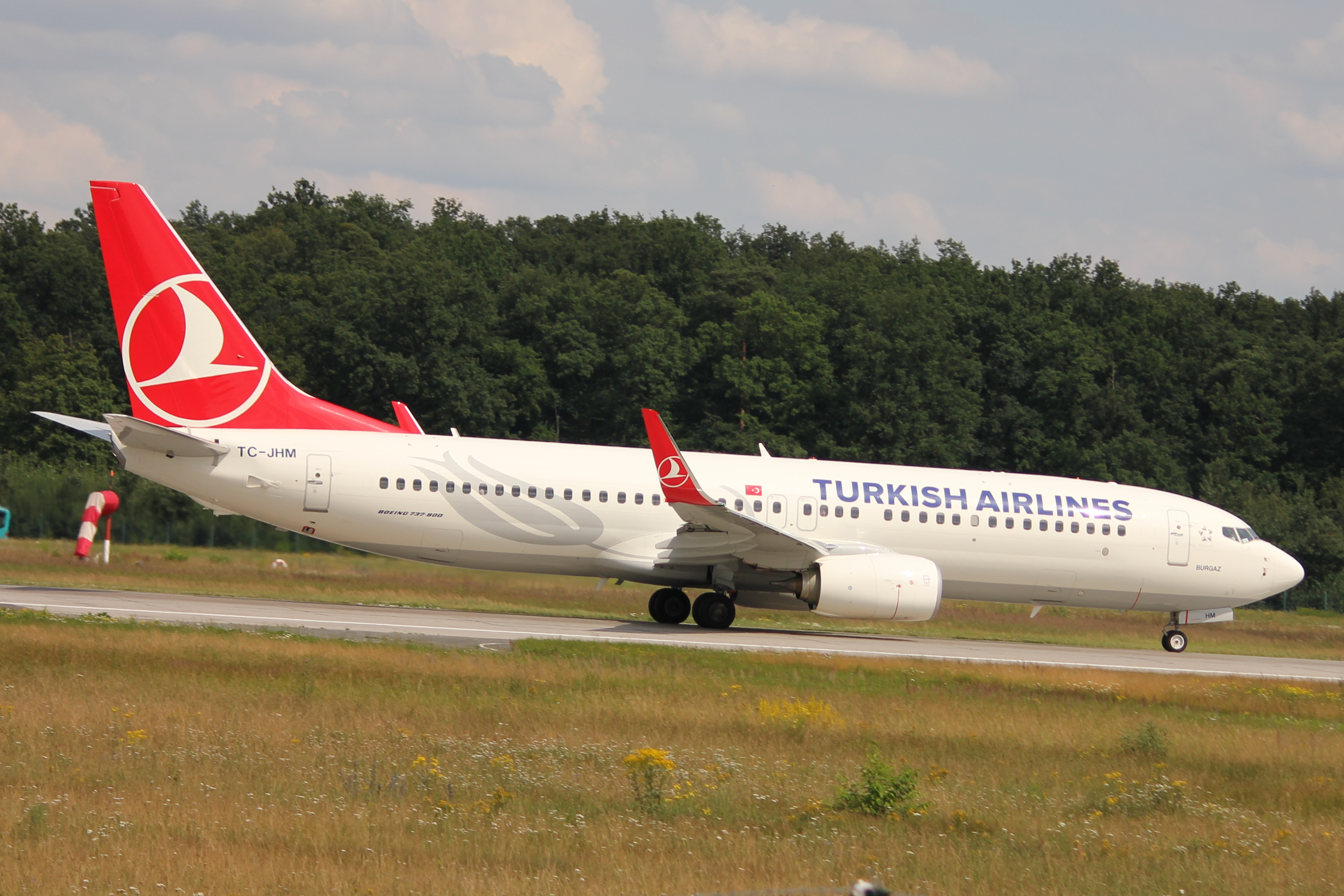 File:Turkish 738 TC-JHM.JPG
