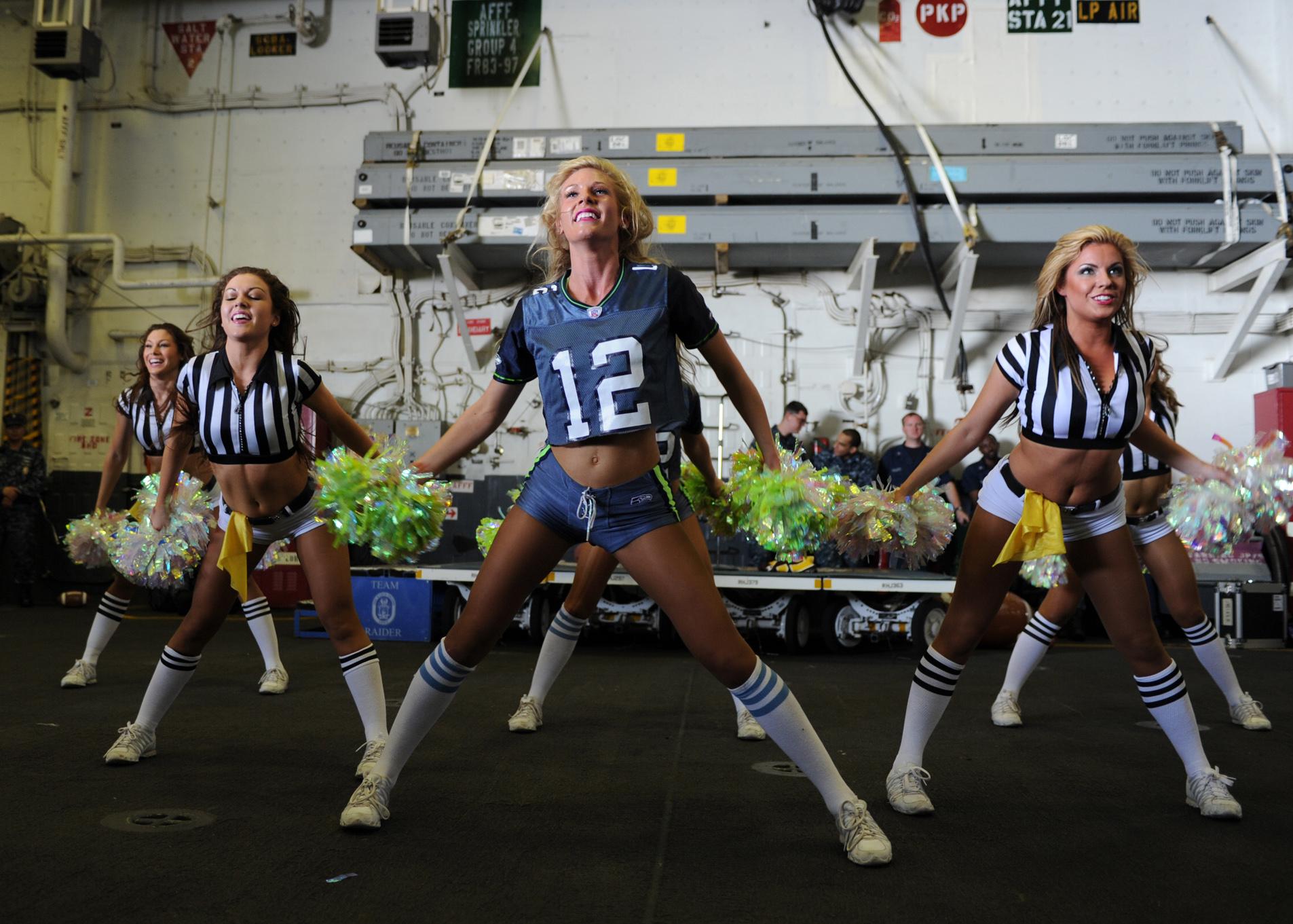 File Us Navy 120213 N Kd852 106 The Seattle Seahawks