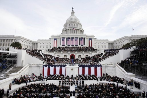 http://upload.wikimedia.org/wikipedia/commons/5/54/US_presidential_inauguration_2005.jpg