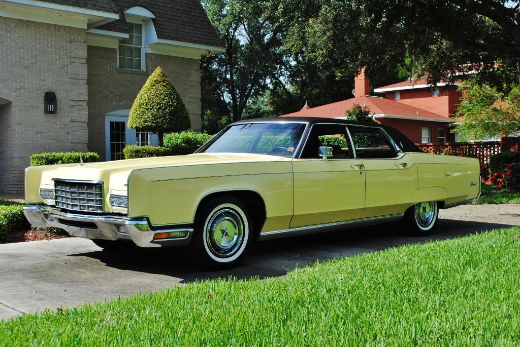 File:1972 Lincoln Continental 1.jpg - Wikimedia Commons