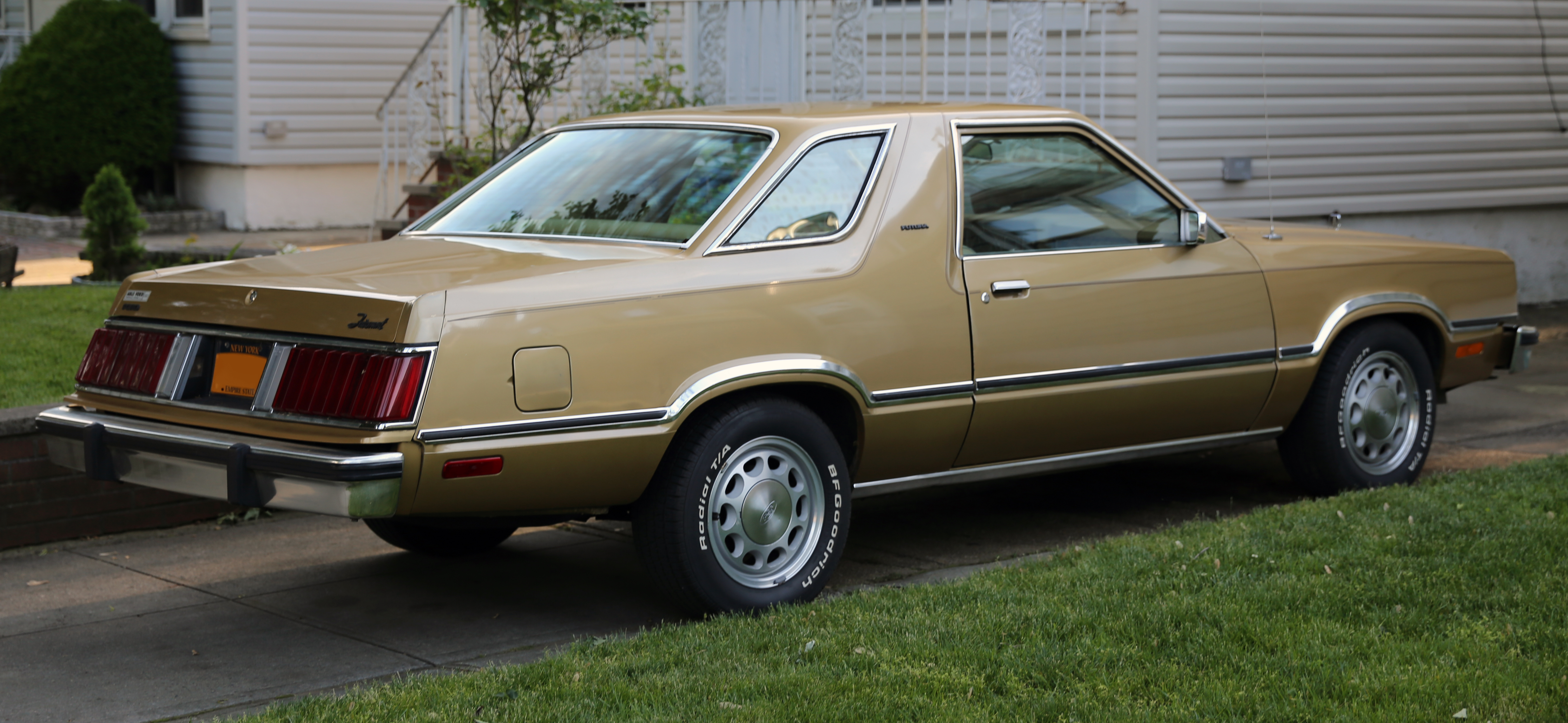 file 1980 ford fairmont futura rear mustang wheels jpg wikimedia rh commons wikimedia org 1985 Ford Mustang 1985 Ford Mustang