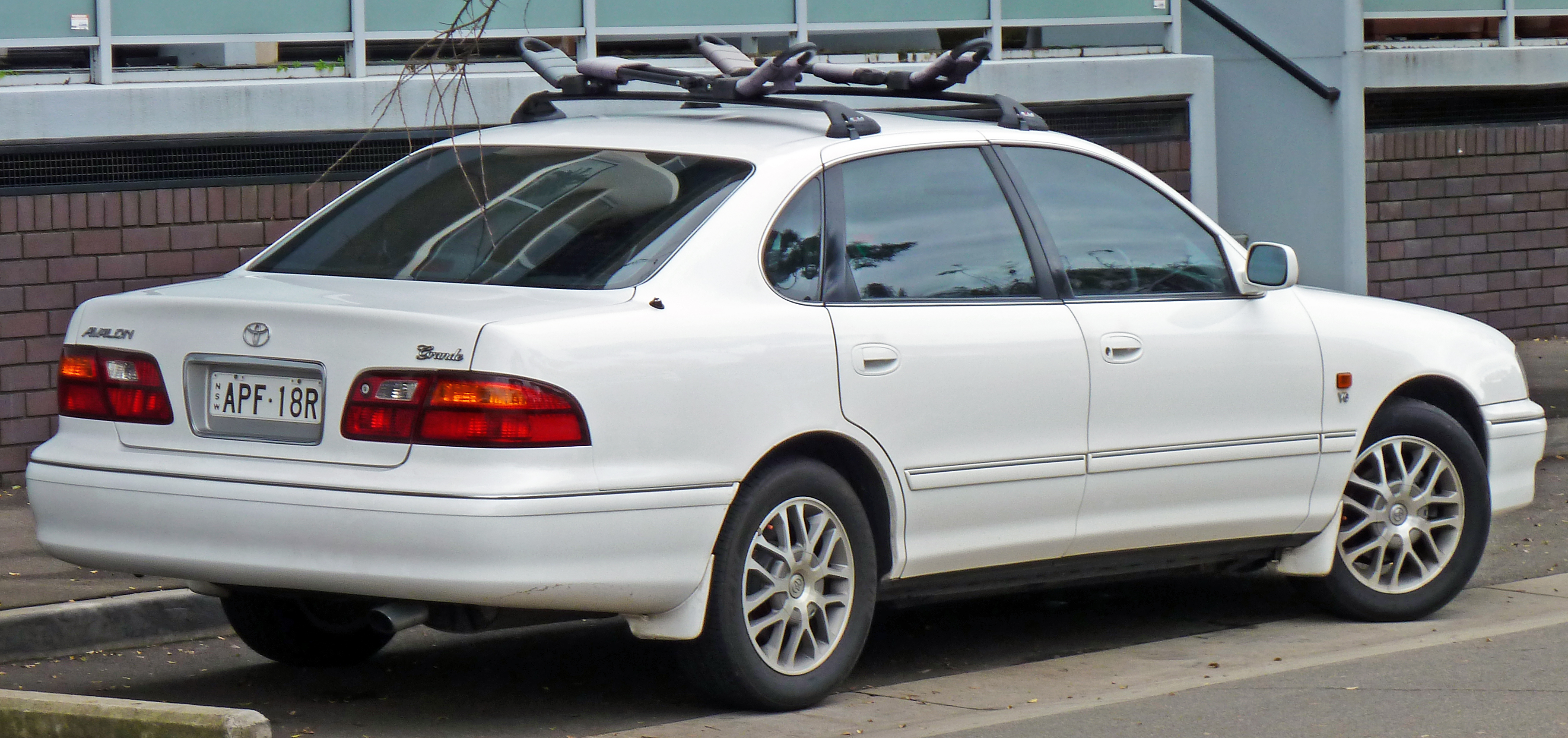 File Toyota Avalon MCXR Mark II Grande Sedan - 2001 avalon