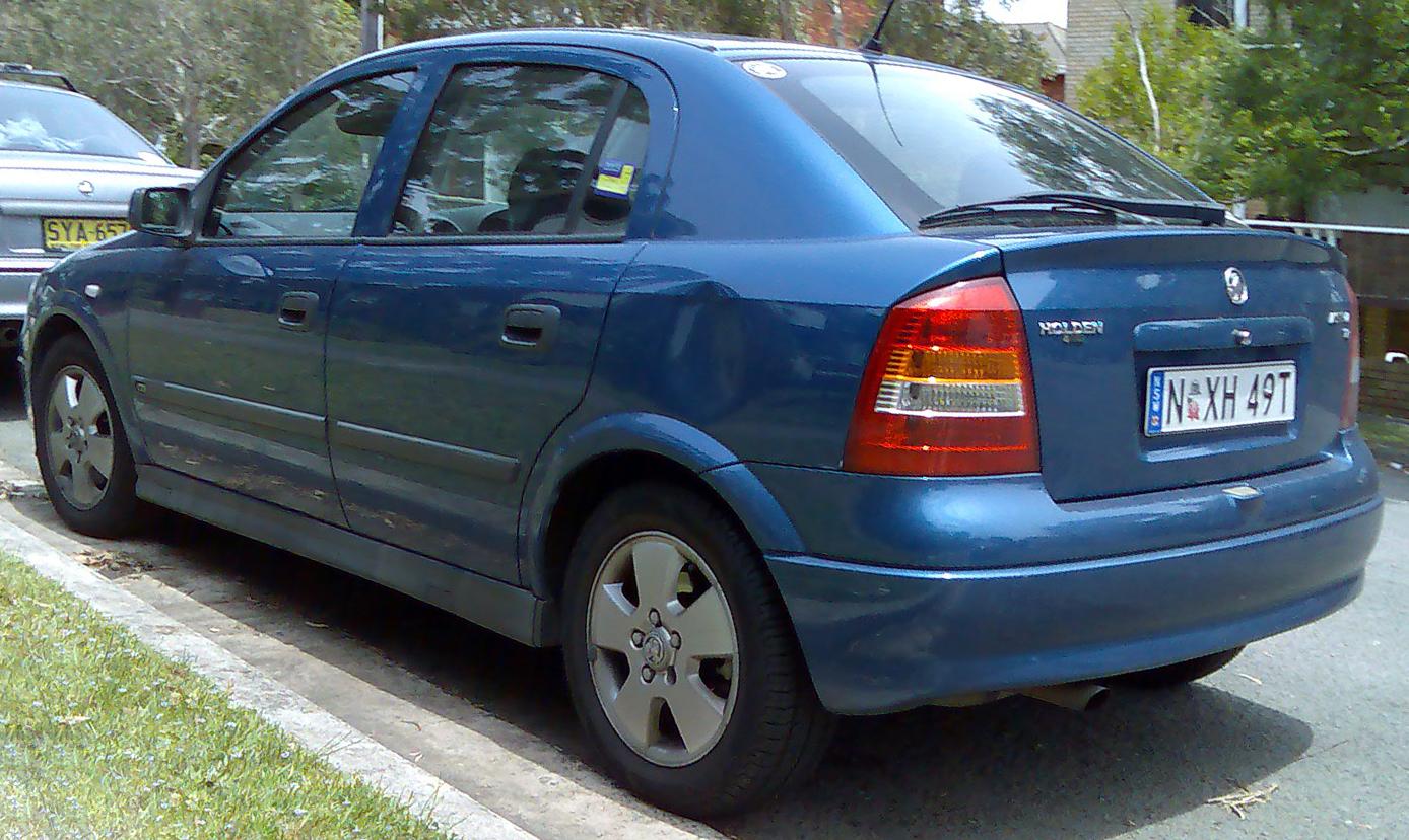 File2001 2004 holden astra ts cd 5 door hatchback 2008 11 18 file2001 2004 holden astra ts cd 5 door hatchback vanachro Choice Image