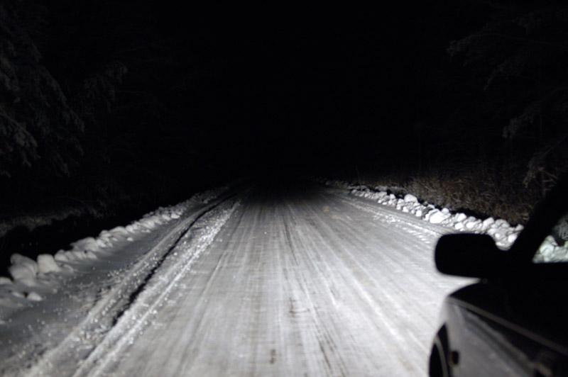 2005_winter_road_dipped_beam.jpg