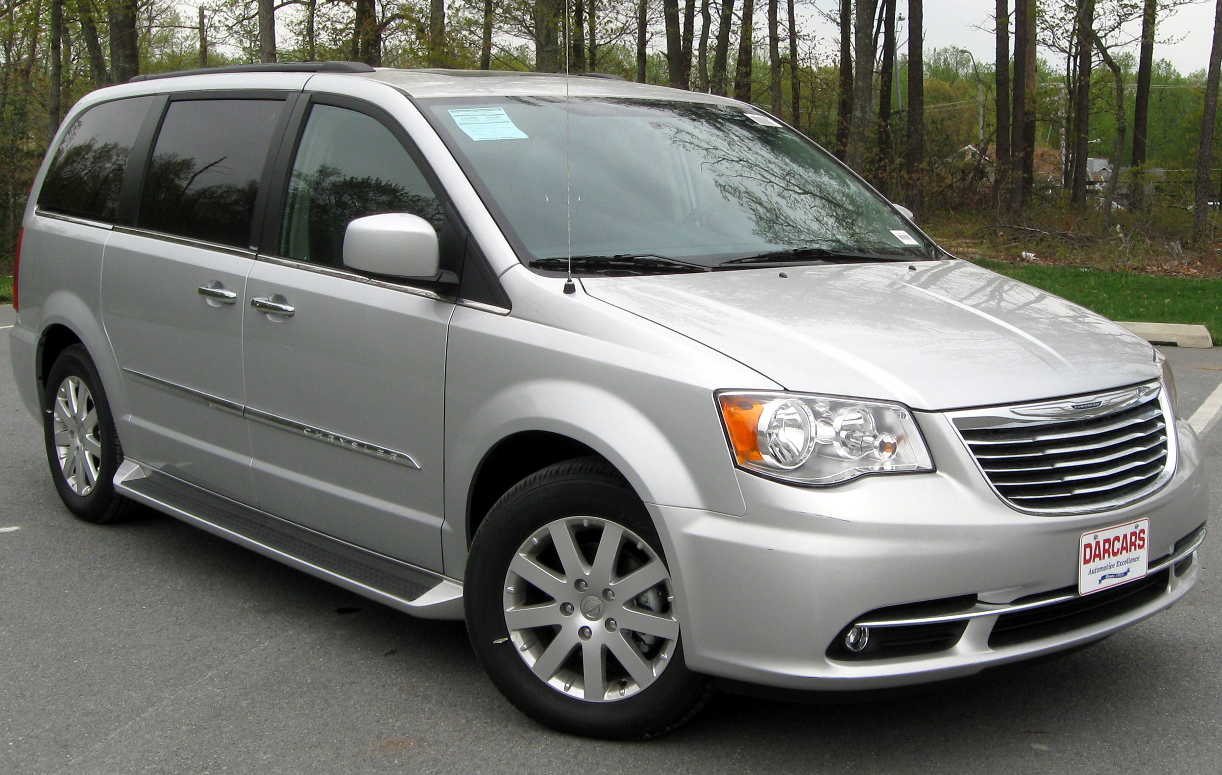 Value of 2007 chrysler town and country van