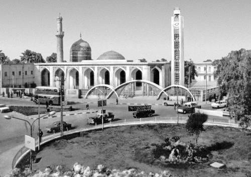مقبرة الخيزران  Abu_Hanifa_Mosque_in_1960