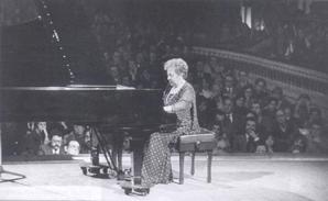 Larrocha, Alicia de (1923-2009)