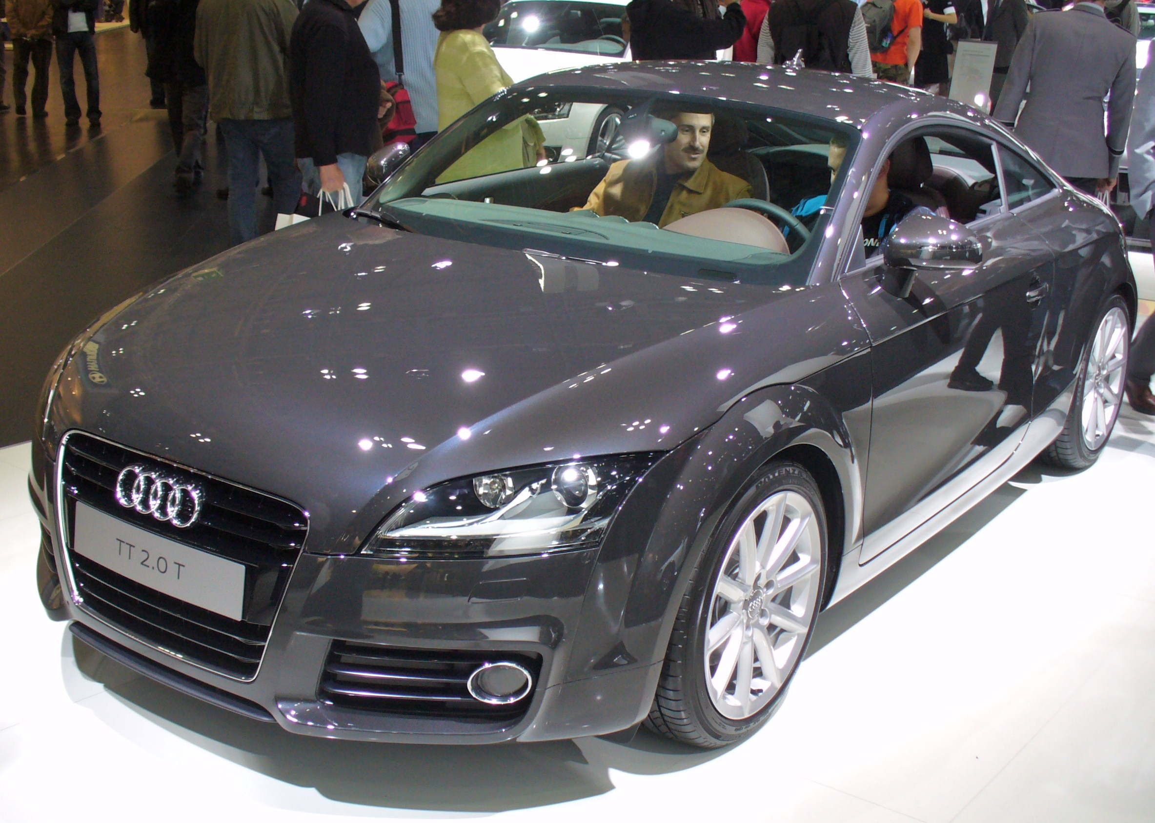 Audi 2 0 T >> File Audi Tt 2 0 T Facelift Jpg Wikimedia Commons