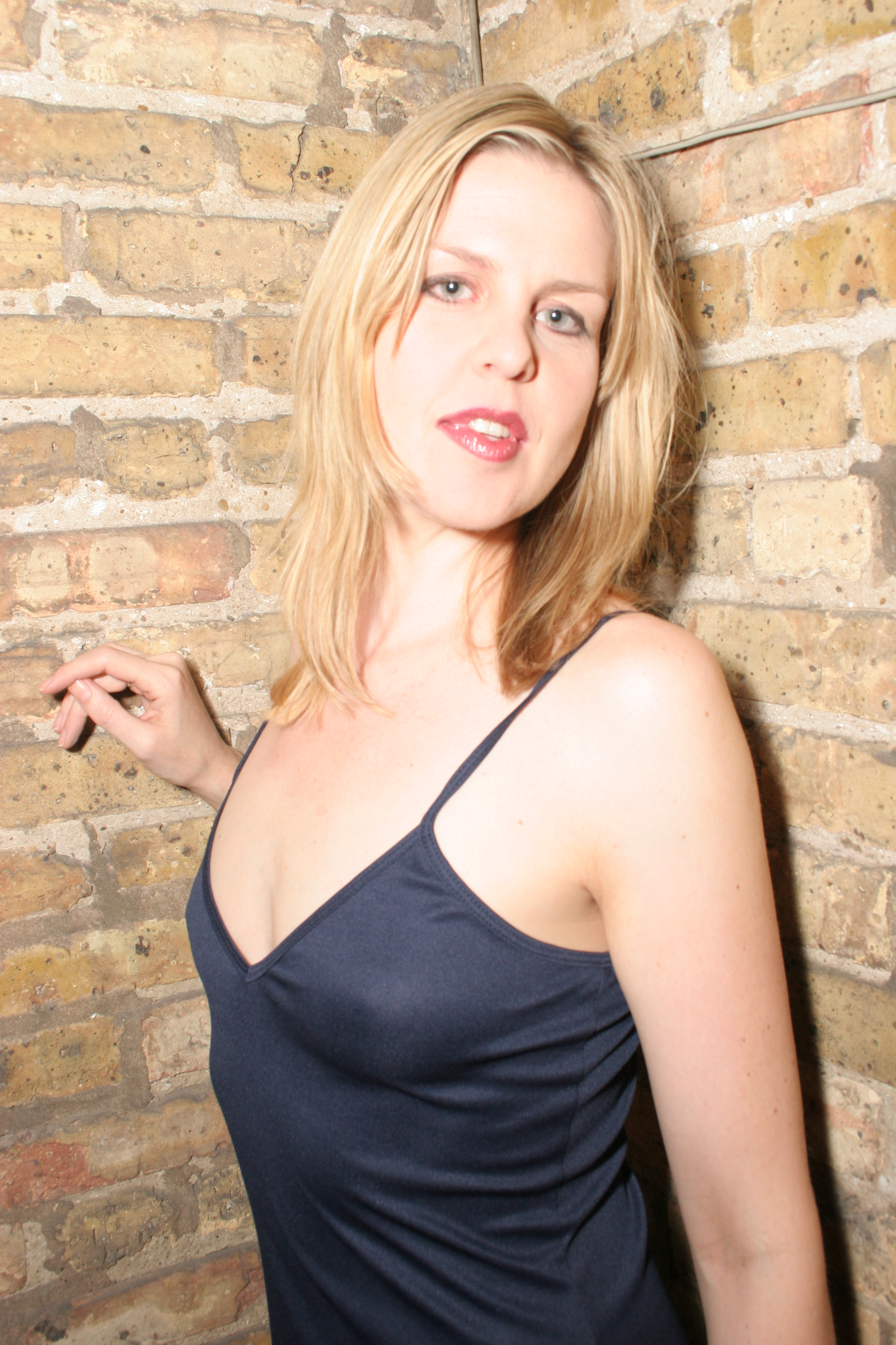 Blonde Poses - Anal Sex Movies
