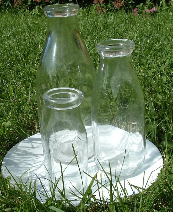 file bouteilles de lait en verre qu bec jpg wikimedia commons
